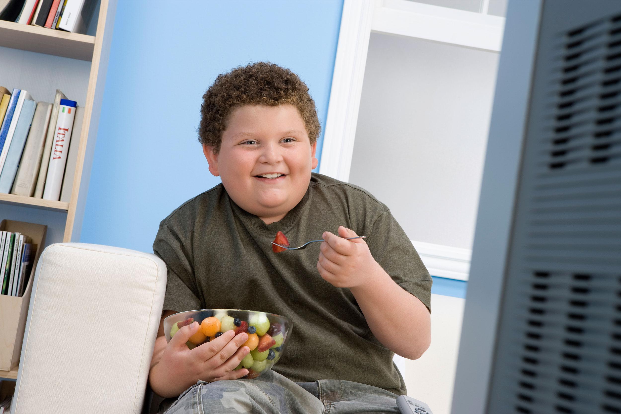 come può un bambino in sovrappeso perdere peso
